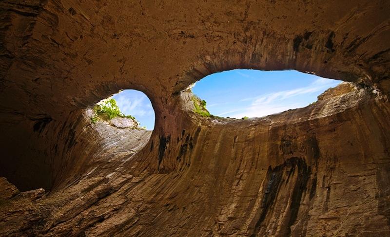 Глаза Бога в пещере Проходна