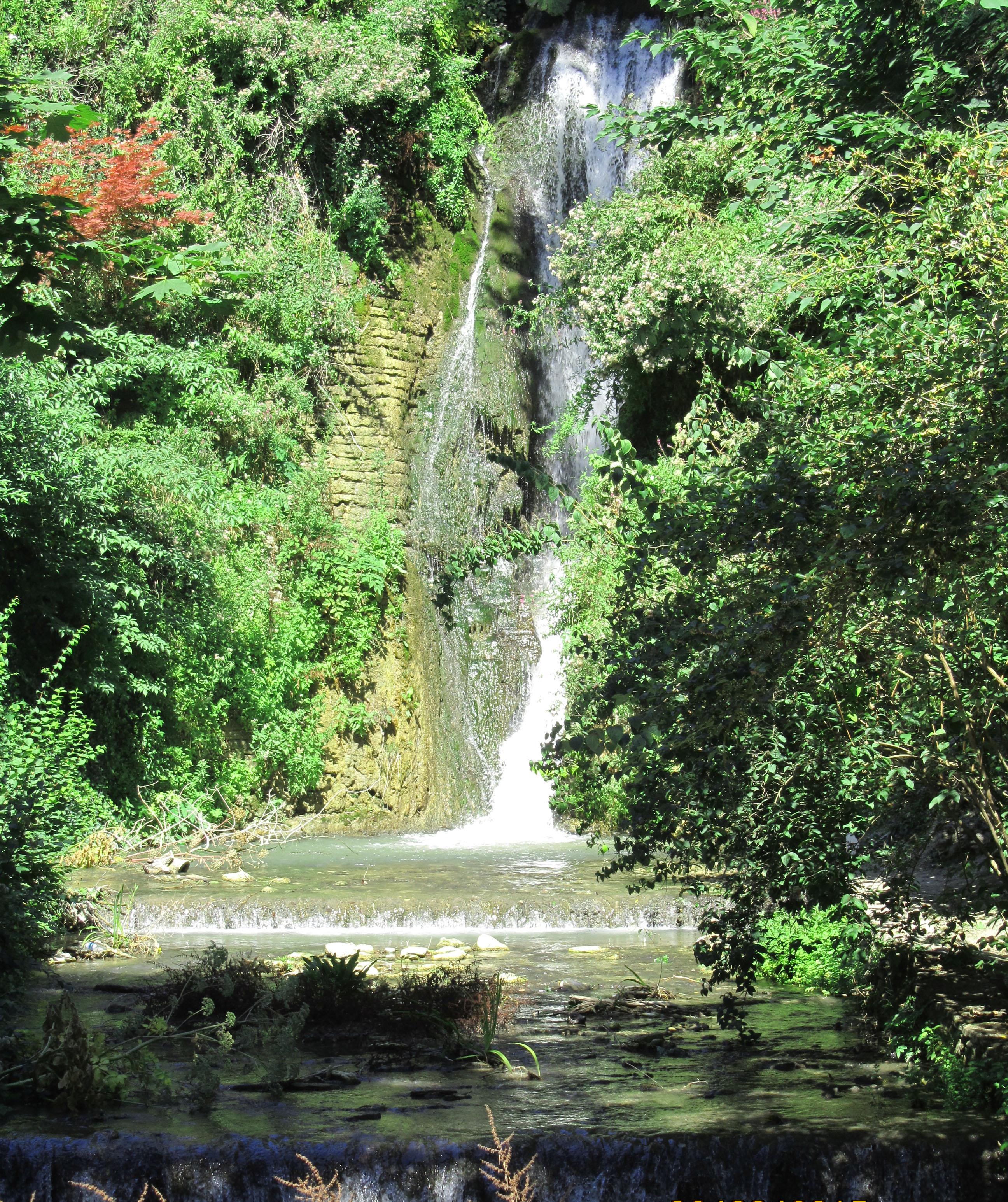 Водопад в ботанический сад Балчик
