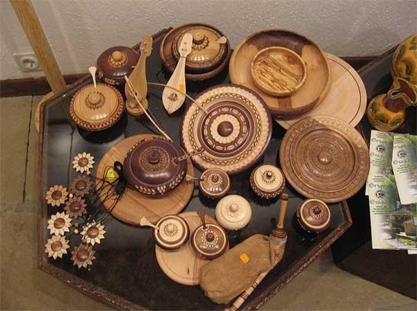 Сувениры Болгарии, Поделки из дерева,