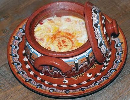 Сирене по Шопски, Болгарская национальная кухня