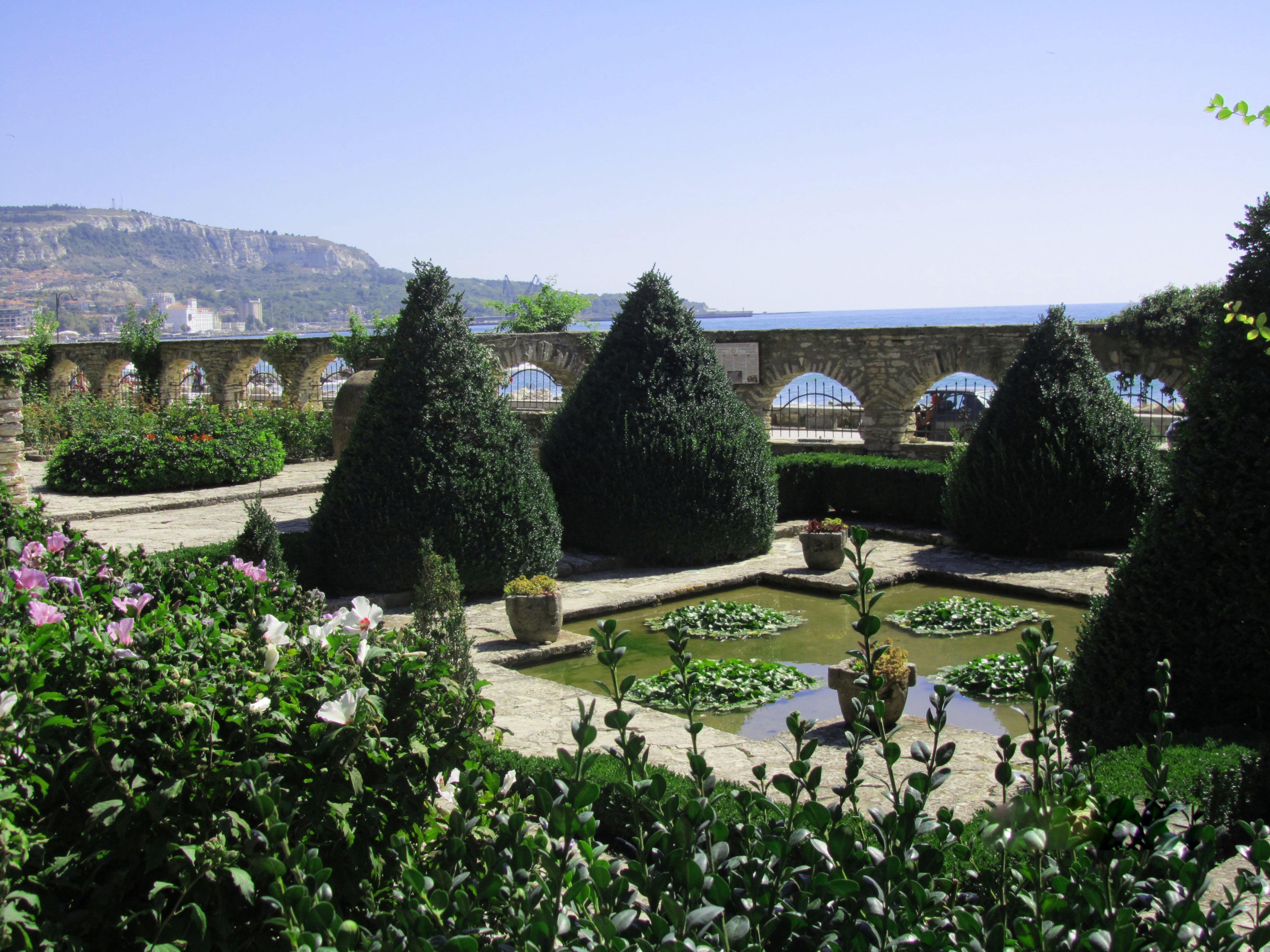 botanicheskij-sad-balchik